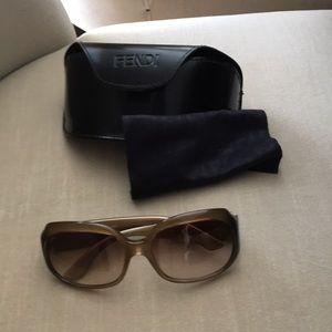 EUC Authentic Fendi sunglasses taupe / light brown